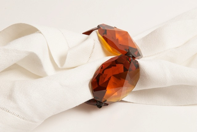 AMBER CRYSTAL NAPKIN HOLDER