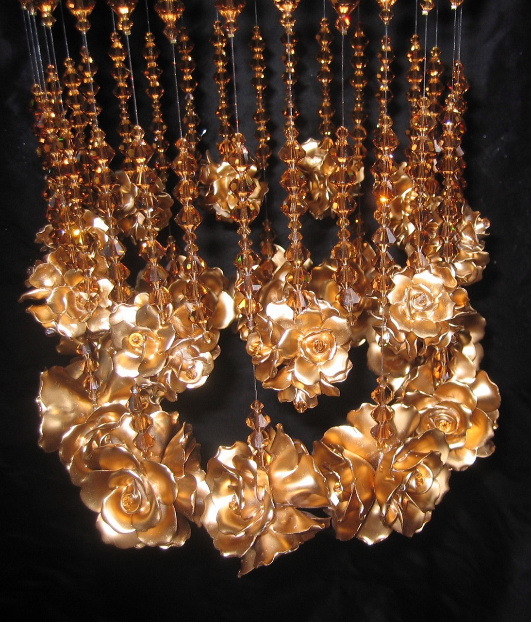 RAINDROPS AND ROSES CHANDELIER IN GOLDEN ROSE DETAIL