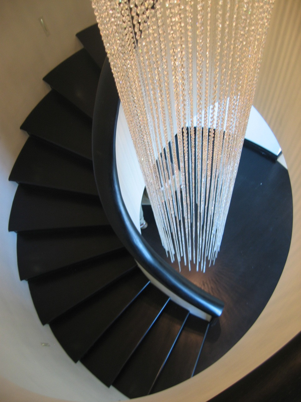 CLEAR CRYSTAL STAIRWELL LIGHT SCULPTURE