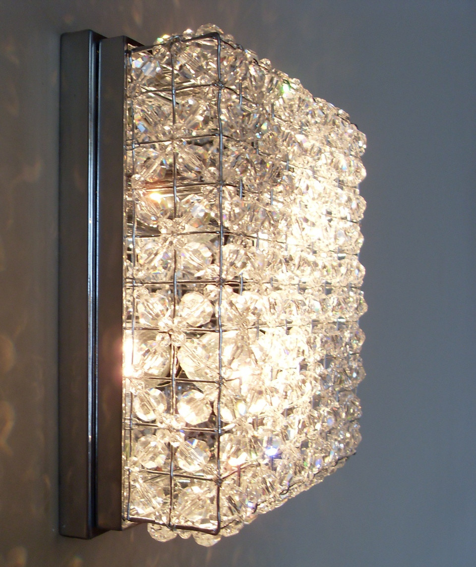 PORTHOLE CRYSTAL BEADED WALL LIGHT